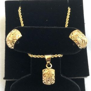 Jewelry - 18k Solid Saudi Gold